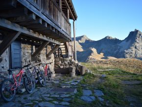 hut trip with Bikevillage - mountain biking holidays in the French Alps